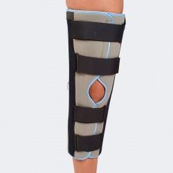Immobilizzatore di ginocchio a tre pannelli.